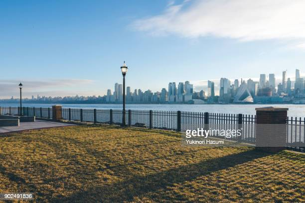 hudson river at morning - hoboken stock pictures, royalty-free photos & images