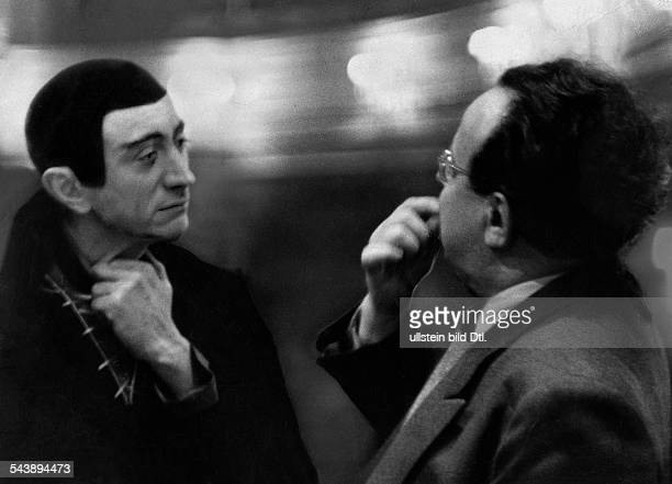 Huebner, Bruno - Actor, Director, Germany*26.08.1899-+ as Mephistopheles and director Heinz Hilpert during the rehearsal for the play of 'Faust' by...