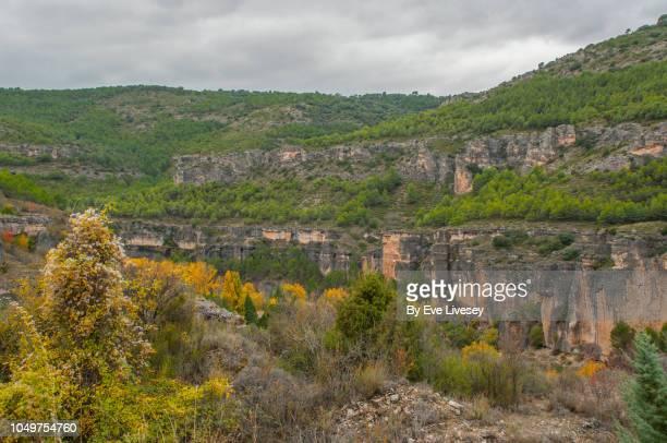 huecar gorge rockfac - cuenca provincia de cuenca fotografías e imágenes de stock