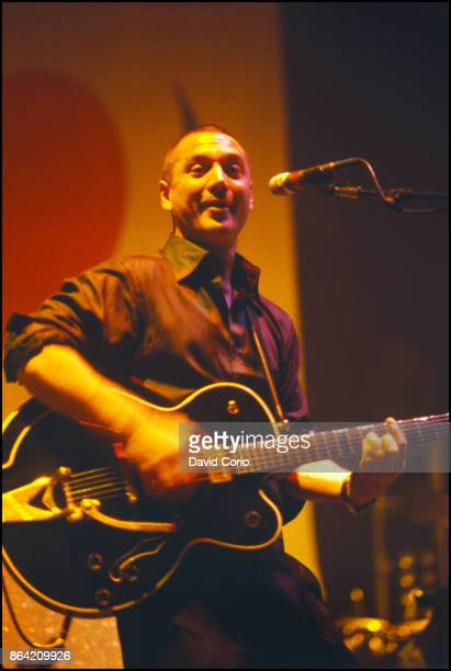 Huey Morgan of Fun Lovin' Criminals performing at Hammerstein Ballroom New York on 9 October 1997