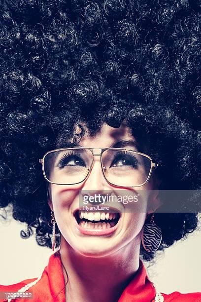 große afro-frisur - 70er jahre frisur stock-fotos und bilder