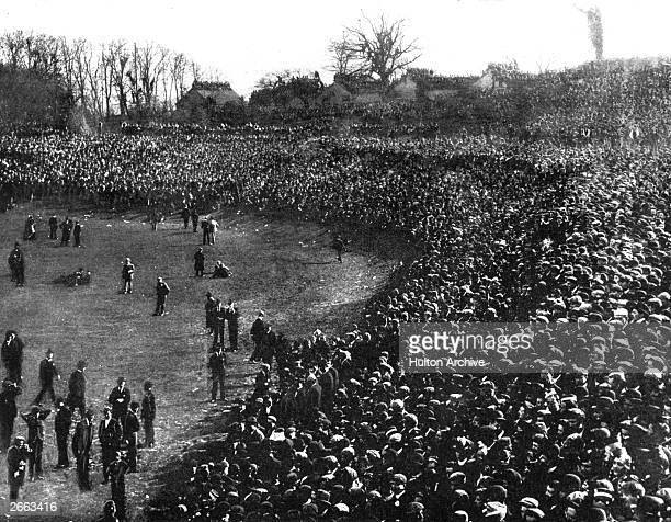 Huge crowds at the 1901 FA Cup final between Tottenham Hotspur and Sheffield United at Crystal Palace The match ended in a 22 draw but Spurs won the...