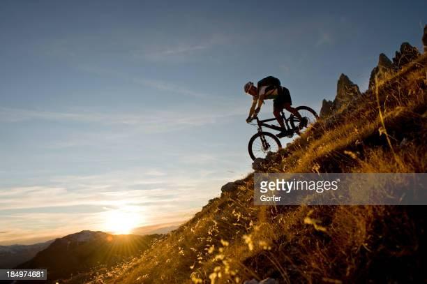 Große Abend auf eine Mountainbike-Tour in das Tal