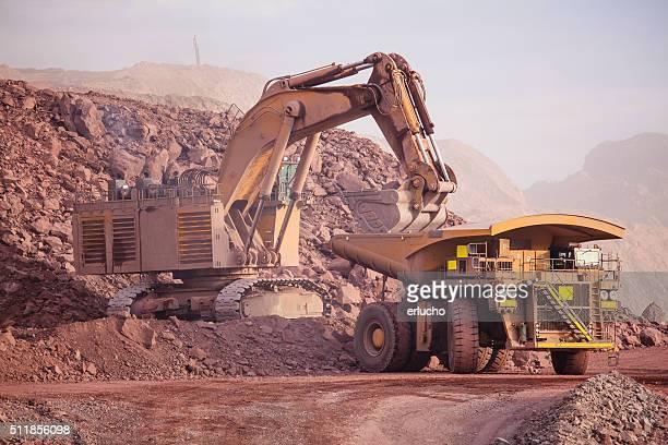 大きな Excavator ます。 鉱業