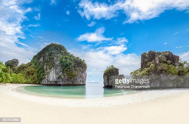 Huge mountains on the island of 'Koh Hong'. One of the most beautiful pristine islands of Krabi, Koh Hong is pure paradise. Travel by speedboat from Krabi, Thailand.