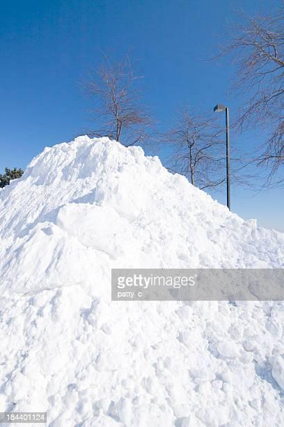Riesigen Haufen von Schnee