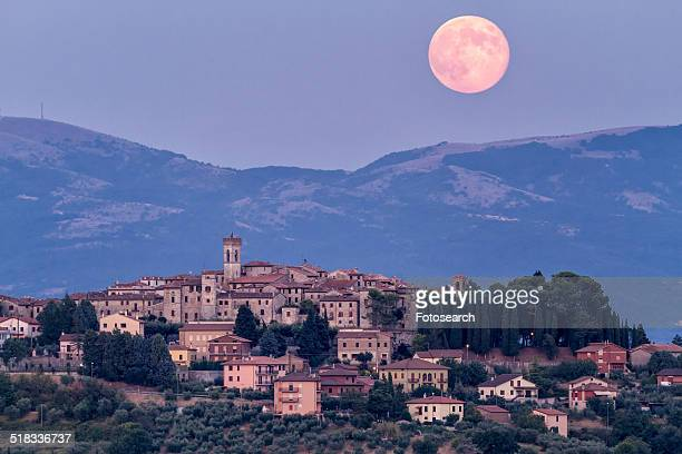 huge pink full moon - pink moon stock pictures, royalty-free photos & images