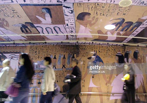 Huge posters featuring Egyptian articraft are put up at Hsi Men subway station in Taipei as an exhibition on ancient Egypitian culture opens here 21...
