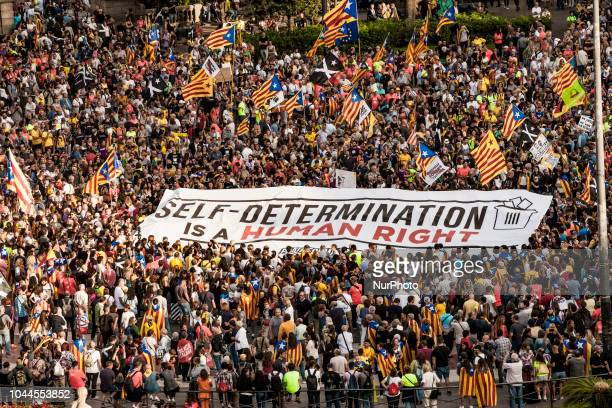 Huge pro independentist banner in the demonstration in Barcelona for the one year anniversary of catalan elections for independence on 1st of october...