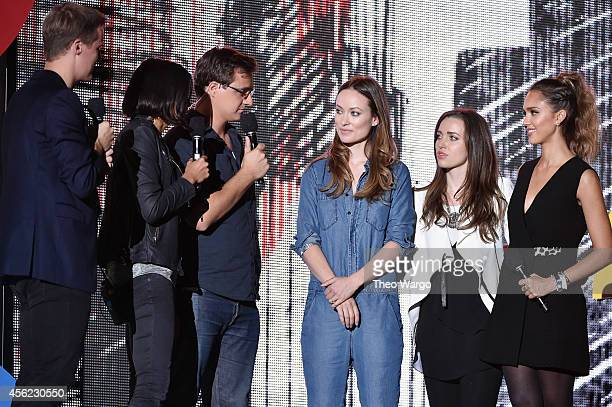 Hugh Evans Alex Wagner Chris Hayes Olivia Wilde Jordan Hewson and Jessica Alba speak onstage at the 2014 Global Citizen Festival to end extreme...