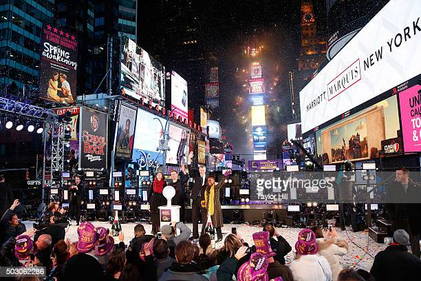 Hugh Evans Tanyella Allison Mayor Bill de Blasio and Chirlane McCray celebrate at midnight at Times Square on January 1 2016 in New York City