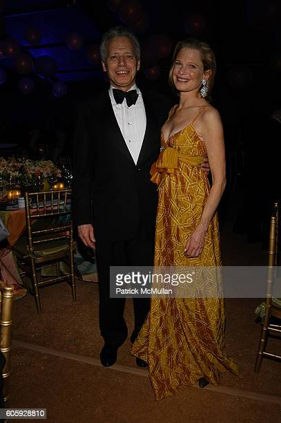 Hugh Freund and Robin Bell attend The JUILLIARD Centennial Gala Live at Lincoln Center at The Juilliard School on April 3 2006 in New York City