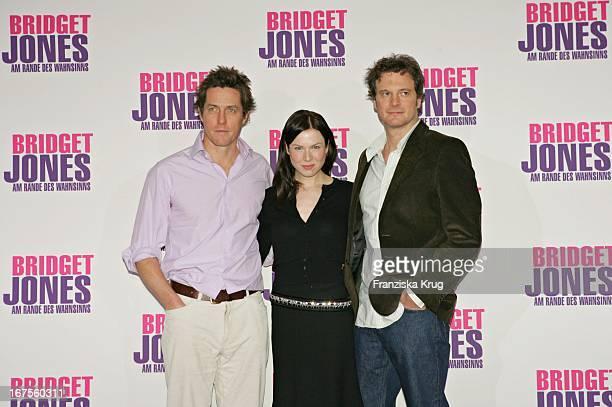 Hugh Grant Renee Zellweger Und Colin Firth Beim Photocall Zu Dem Film Bridget Jones 2 Am Rande Des Wahnsinns Im Adlon In Berlin Am 121104