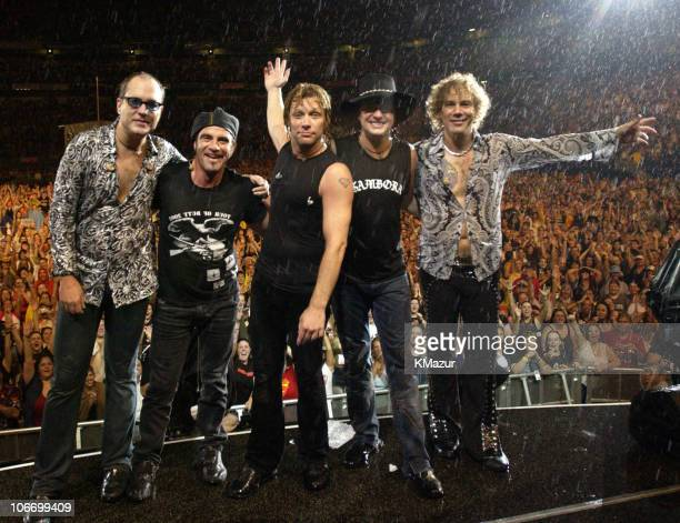 Hugh McDonald Tico Torres Jon Bon Jovi Richie Sambora and David Bryan