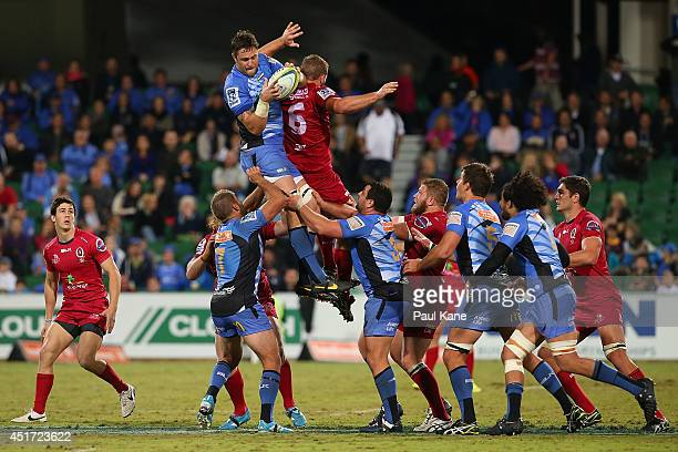 Hugh McMeniman of the Force wins a line-out opposed to Curtis Browning of the Reds during the round 18 Super Rugby match between the Western Force...