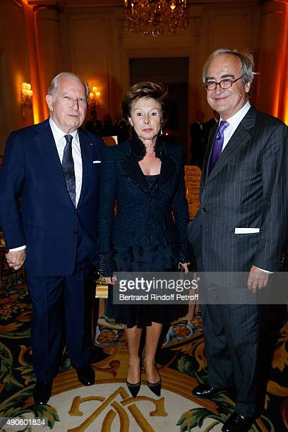Hughes R Gall MarieLouise de Clermont Tonnerre and JeanPierre de Beaumarchais attend the Charity Dinner to Benefit 'Claude Pompidou Foundation' held...