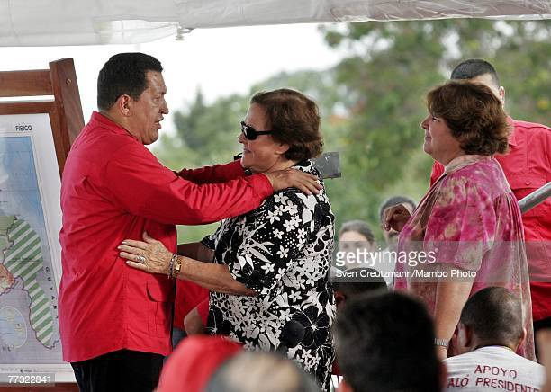 Hugo Chavez President of Venezuela welcomes Aleida March widow of Che Guevara and her daughter Aleida during the Chavez program 'Alo Presidente'...