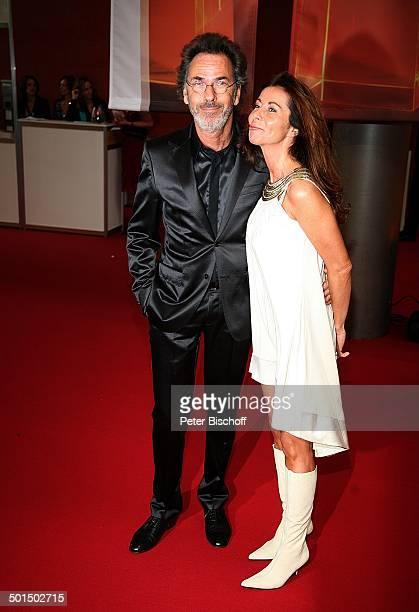 """Hugo Egon Balder, Ehefrau Meral Canan, RTL-Gala Verleihung 9. """"Deutscher Fernsehpreis"""", """"Coloneum"""", Köln, Nordrhein-Westfalen, Deutschland, Europa,..."""