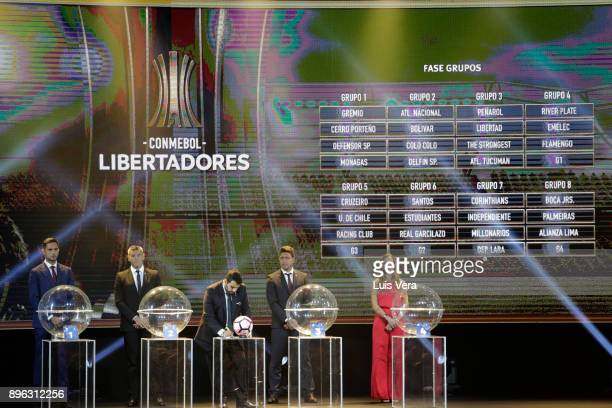 Hugo Figueredo Director of Competitions of CONMEBOL writes down the teams with Roque Santa Cruz , Sergio Goycochea , Juan Carlos Henao and Deyna...