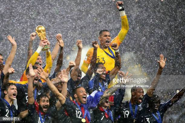 Hugo Lloris of France lifts the World Cup trophy with his team after the 2018 FIFA World Cup Russia Final between France and Croatia at Luzhniki...