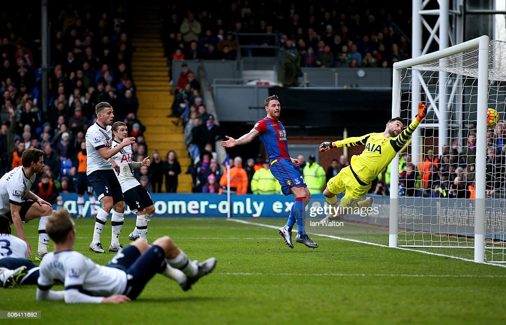 Hugo Lloris (1st R) of Tottenham Hotspur dives for the ball in vain as the Jan Vertonghen of Tottenham Hotspur scores an own goal during the Barclays Premier League match between Crystal Palace and Tottenham Hotspur at Selhurst Park on January 23, 2016 in London, England.