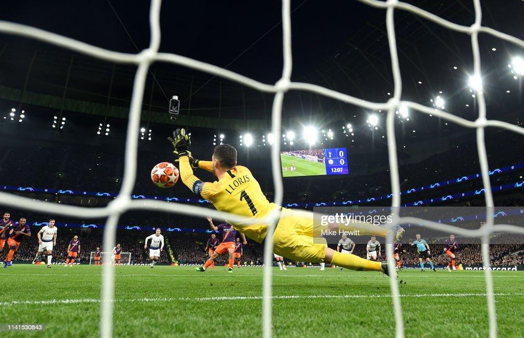 Tottenham Hotspur and Manchester City - UEFA Champions League Quarter Final: First Leg : ニュース写真