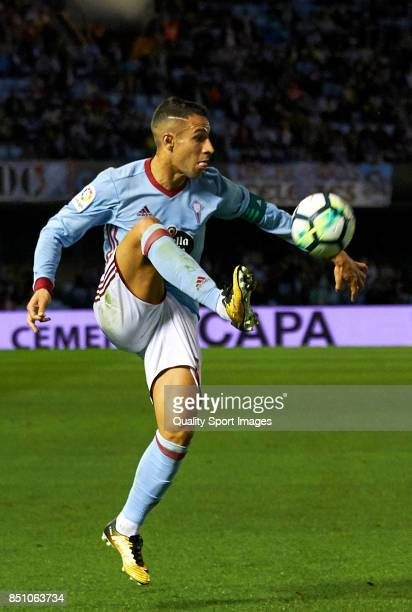 Hugo Mallo of Celta de Vigo controls the ball during the La Liga match between Celta de Vigo and Getafe CF at Balaidos Stadium on September 21 2017...