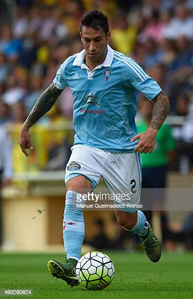 Hugo Mallo of Celta runs with the ball during the La Liga match between Villarreal CF and RC Celta de Vigo at El Madrigal Stadium on October 18 2015...