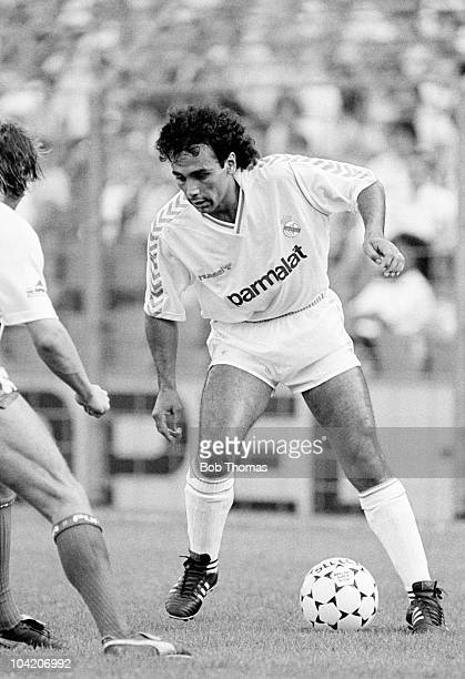 Hugo Sanchez of Real Madrid in action against FC Antwerp during the Rotterdam Tournament held at Feyenoord Stadium Rotterdam on 5th August 1988 The...