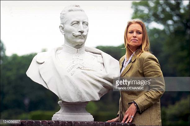 Huis Doorn castle In Netherlands On June 12 2001 Rixa of Oldenburg in front of the castle with the bust of her great grandfather Wilhelm II