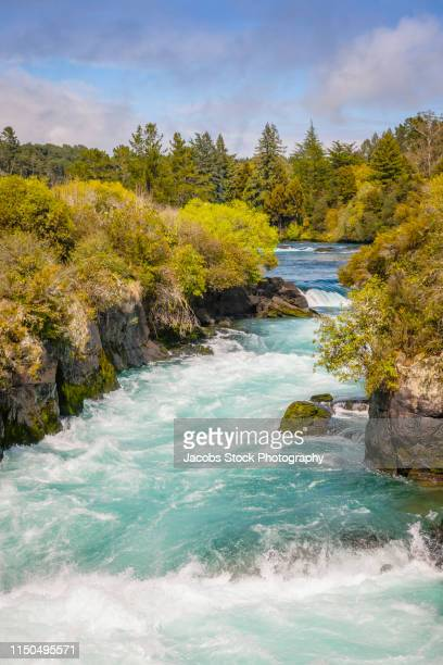 huka falls - flowing water stock pictures, royalty-free photos & images