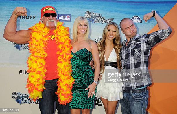 Hulk Hogan Jennifer McDaniel Bre Tiesi and Nick Hogan attend the Comedy Central Roast of David Hasselhoff held at Sony Pictures Studios on August 1...