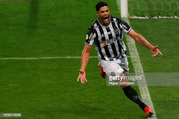 Hulk of Atletico Mineiro celebrates after scoring his team's second goal during a match between Corinthians and Atletico Mineiro as part of...