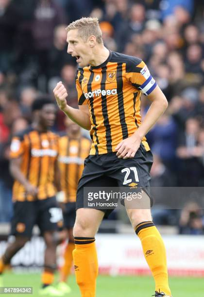 Hull captain Michael Dawson celebrates the equalising goal during the Sky Bet Championship match between Hull City and Sunderland at KCOM Stadium on...