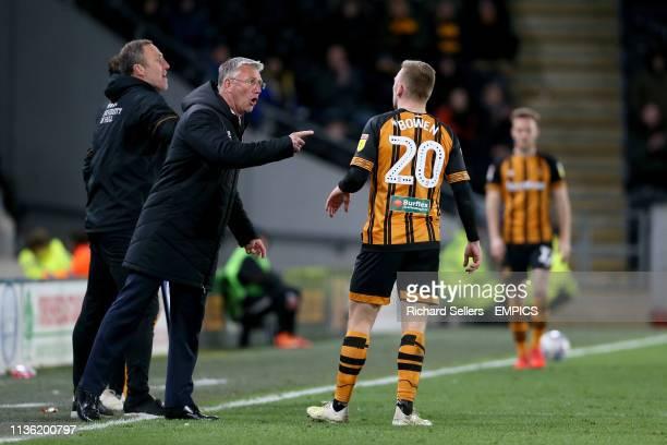 Hull City manager Nigel Adkins and Hull City's Jarrod Bowen have words Hull City v Wigan Athletic Sky Bet Championship KCOM Stadium