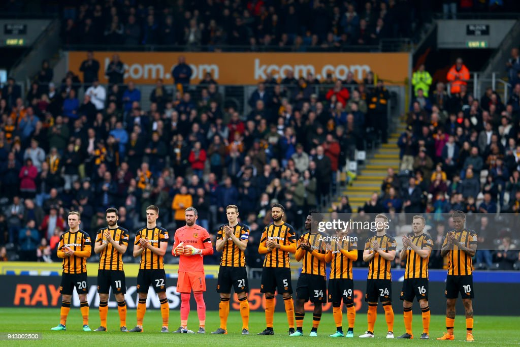 Hull City players show their respect for Ray Wilkins during the Sky Bet Championship match between Hull City and Queens Park Rangers at KCOM Stadium on April 7, 2018 in Hull, England.