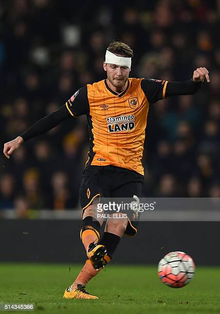 Hull City's English midfielder Nick Powell has an unsuccessful shot during the FA cup fifth round replay football match between Hull City and Arsenal...