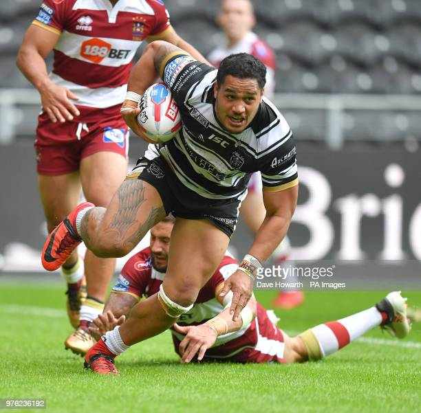 Hull FC's Bureta Faraimo goes over for his sides 1st try during the Betfred Super League match at the KCOM Stadium Hull