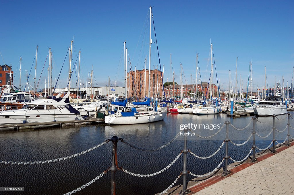 Hull Marina : Stock Photo