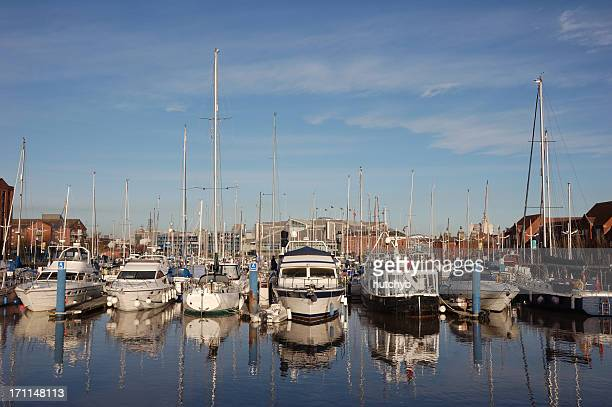 hull marina - kingston upon hull stock pictures, royalty-free photos & images