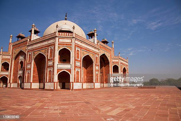 humayun tomb, new delhi, india - humayun's tomb stock pictures, royalty-free photos & images