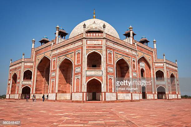 humayun's tomb, delhi, india - mughal empire stock photos and pictures