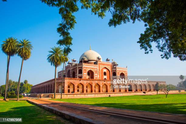 humayun's tomb, delhi, india, the tomb of the mughal emperor humayun built in 1565, unesco world heritage site - new delhi stock pictures, royalty-free photos & images
