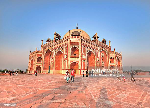 humayun's tomb, new delhi - new delhi stock pictures, royalty-free photos & images