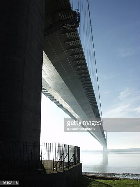 humber bridge, east yorkshire, uk - stevebphotography stock pictures, royalty-free photos & images