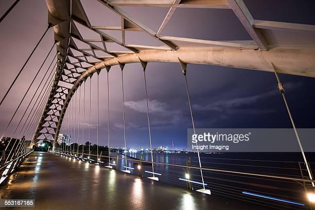humber river foot bridge - lake ontario stock pictures, royalty-free photos & images