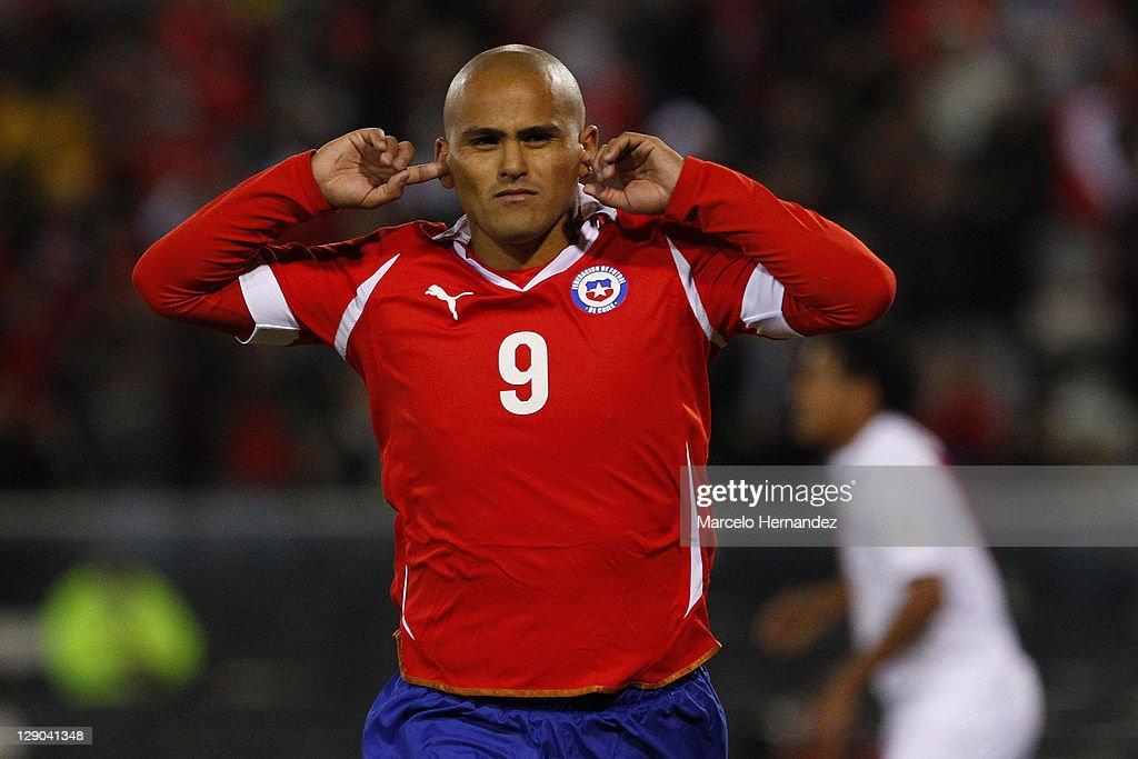 Chile v Peru - South American Qualifiers