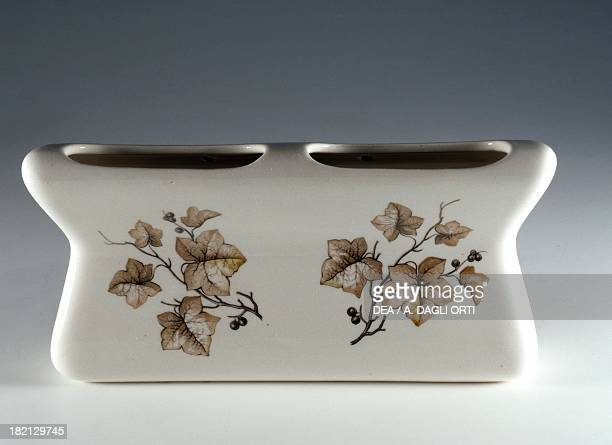 Humidifier decorated with leaves ceramic Deam Laveno Italy 20th century