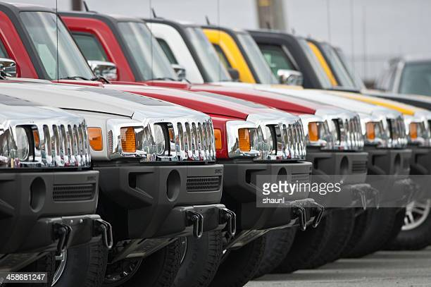 hummer h3 suvs - hummer stock photos and pictures