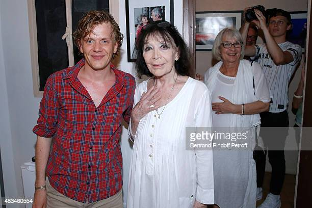 Humorist Alex Lutz Singer Juliette Greco and and her daughter Laurence pose Backstage after the Alex Lutz Show during the 31th Ramatuelle Festival...